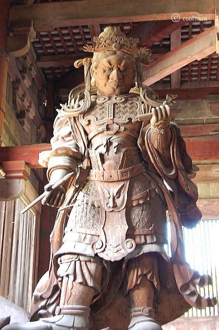 東大寺大仏殿 広目天立像(北西の隅)